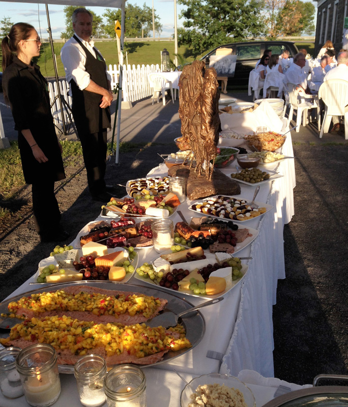 outdoor-buffet-a-catered-affair-by-tim-mcrae-2